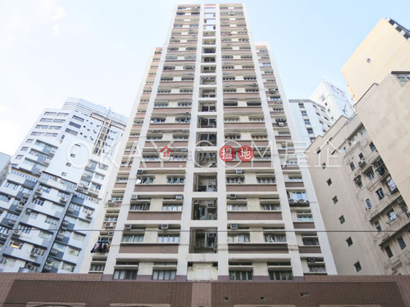 Popular 2 bedroom in Wan Chai | Rental, Newman House 利文樓 Rental Listings | Wan Chai District (OKAY-R182267)