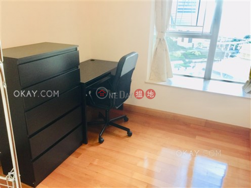 HK$ 27M | The Waterfront Phase 2 Tower 6, Yau Tsim Mong Rare 3 bedroom in Kowloon Station | For Sale