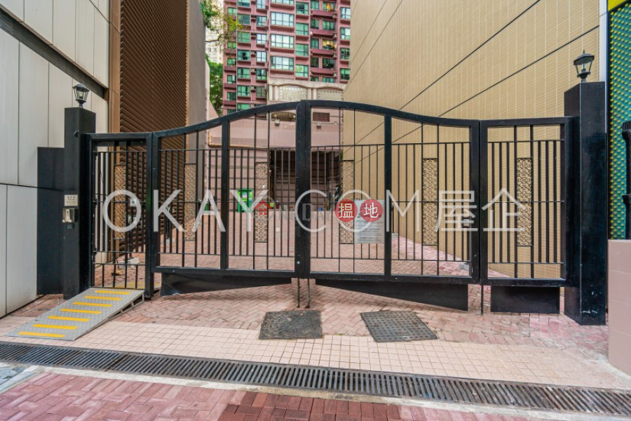 HK$ 27,000/ month Scenic Rise Western District, Cozy 2 bedroom on high floor   Rental