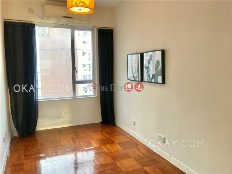 Intimate studio on high floor with terrace | For Sale | Sunrise House 新陞大樓 Sales Listings