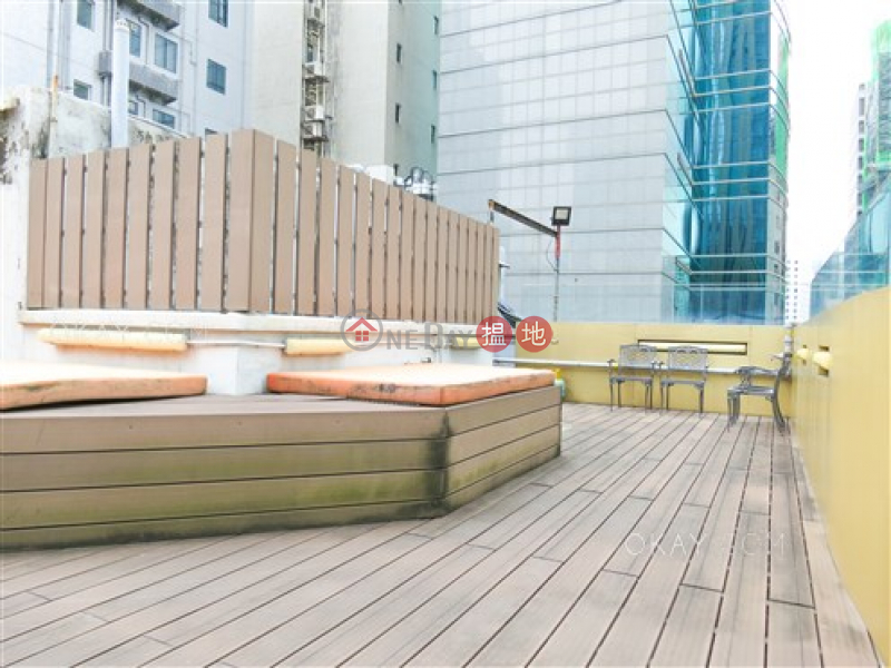HK$ 9.95M Paul Yee Mansion Wan Chai District, Charming 2 bedroom on high floor with rooftop | For Sale