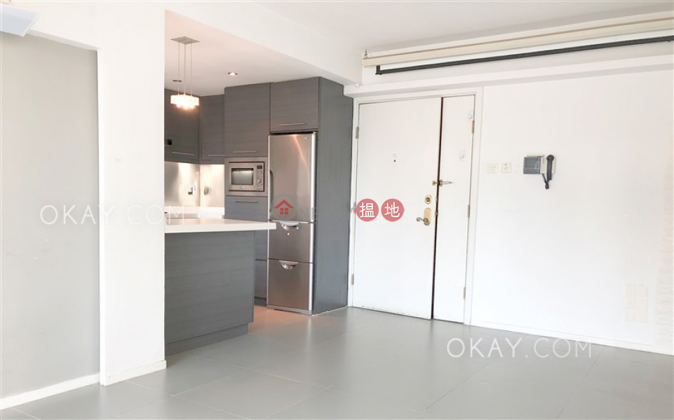 Property Search Hong Kong | OneDay | Residential, Sales Listings | Gorgeous 3 bedroom in Mid-levels West | For Sale