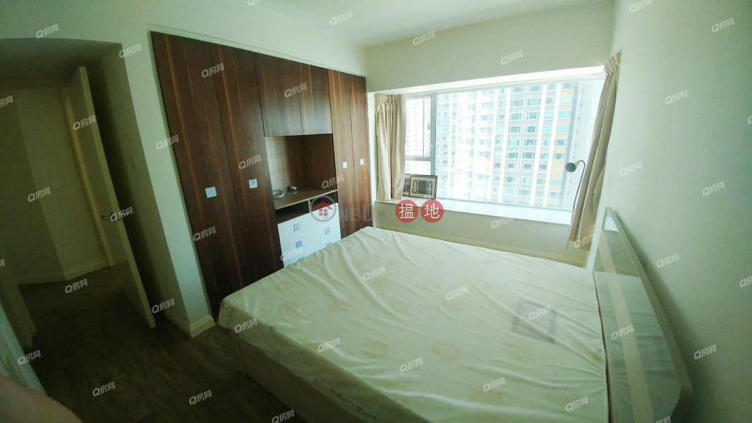 The Waterfront Phase 2 Tower 6 | 3 bedroom Mid Floor Flat for Sale | The Waterfront Phase 2 Tower 6 漾日居2期6座 Sales Listings