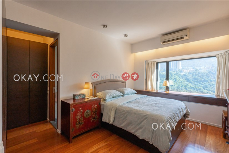 Luxurious 3 bedroom with balcony & parking | For Sale | Beverly Hill 比華利山 Sales Listings
