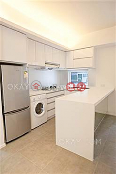Nicely kept 2 bedroom in Mid-levels West   Rental   Caineway Mansion 堅威大廈 Rental Listings