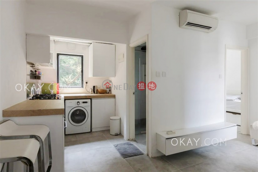 HK$ 29,000/ month Bellevue Place Central District, Charming 1 bedroom in Mid-levels West | Rental