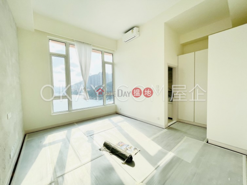 Stylish house with terrace, balcony   For Sale   Redhill Peninsula Phase 2 紅山半島 第2期 Sales Listings