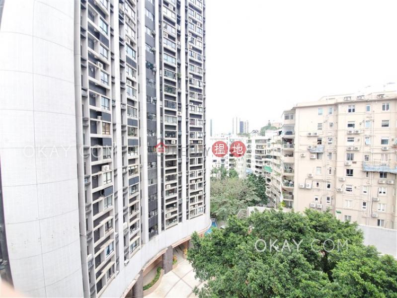 2房2廁,實用率高,露台百輝大廈出租單位 百輝大廈(Pak Fai Mansion)出租樓盤 (OKAY-R158002)