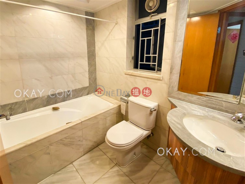 Luxurious 3 bedroom in Kowloon Station | Rental | The Waterfront Phase 1 Tower 2 漾日居1期2座 Rental Listings