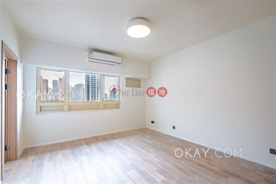 Rare 3 bedroom on high floor with balcony & parking | Rental | St. Joan Court 勝宗大廈 Rental Listings