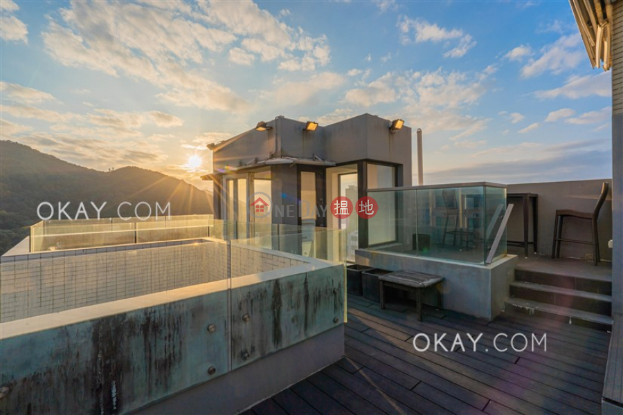 Property Search Hong Kong | OneDay | Residential Rental Listings Exquisite 3 bed on high floor with rooftop & balcony | Rental