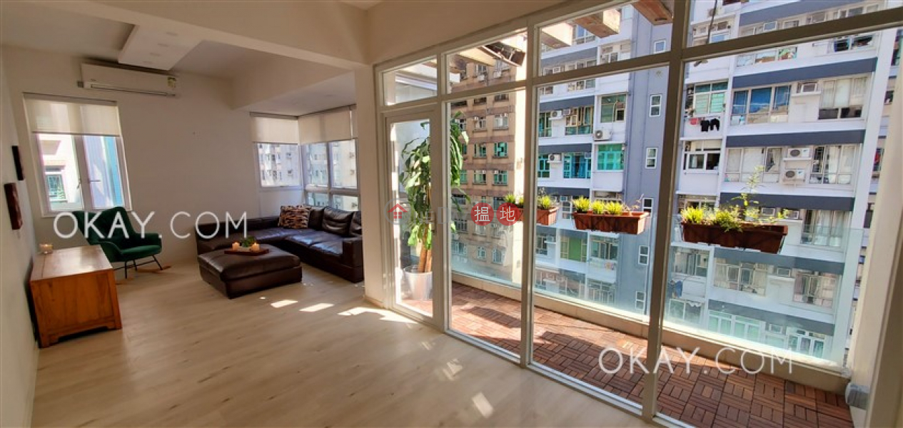 2房1廁,極高層,露台《麗池花園大廈出租單位》 麗池花園大廈(Ritz Garden Apartments)出租樓盤 (OKAY-R387309)