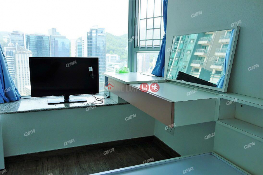 HK$ 9.8M, Phase 1 The Pacifica Cheung Sha Wan Phase 1 The Pacifica | 2 bedroom Mid Floor Flat for Sale